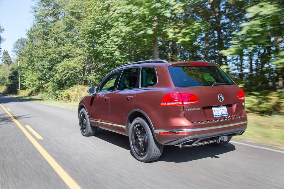 2017 Volkswagen Touareg Review rear rolling