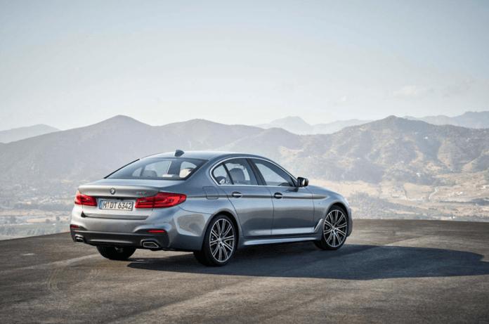 2017 BMW 540i rear