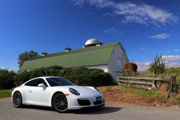 2017 Porsche 911 Carrera 4S Review