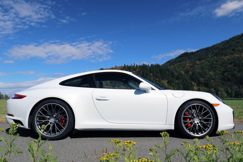 2017 Porsche 911 Carrera 4S Review 9