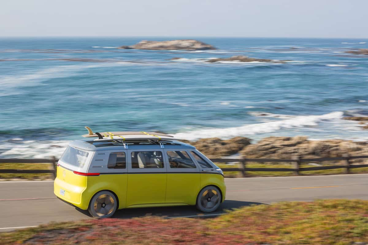 volkswagen I.D. BUZZ electric concept rear rolling sideview