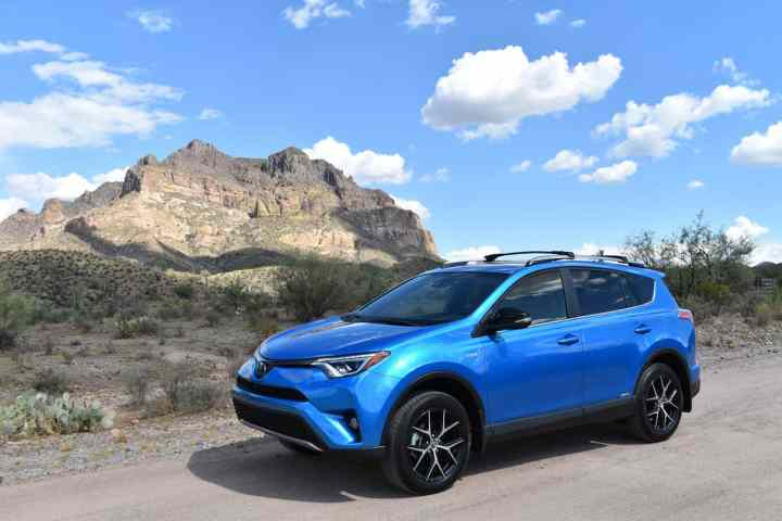 2017 Toyota Rav4 Hybrid Review 2