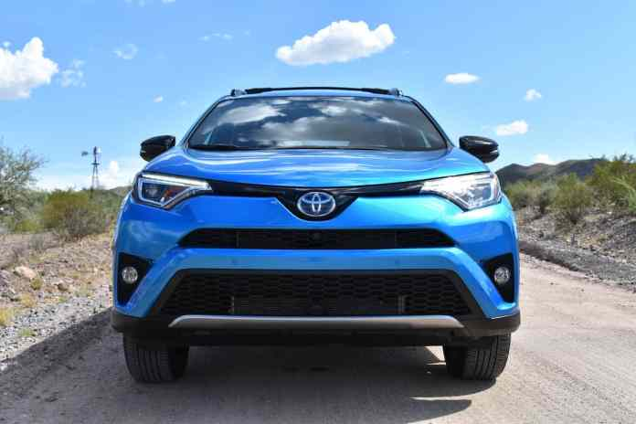 2017 Toyota Rav4 Hybrid Review 4