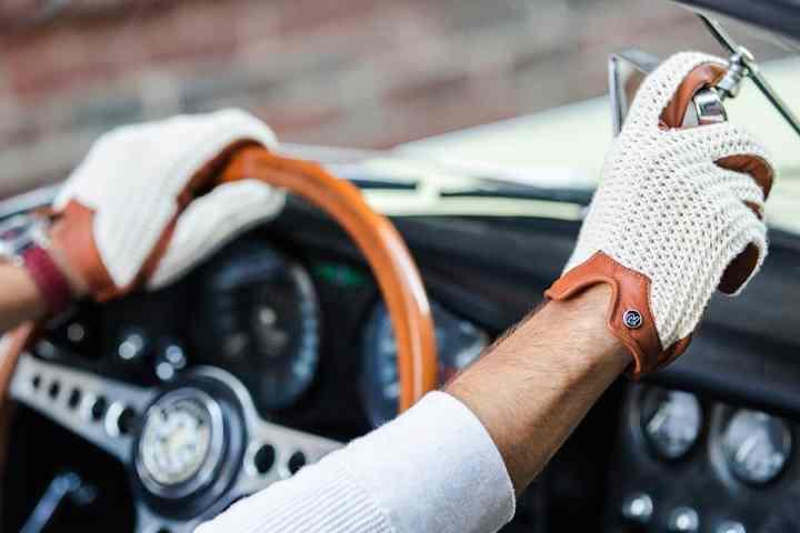Autodromo Stringback Driving Gloves: Throwback to a Simpler Era