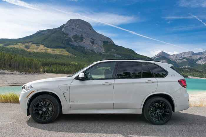 2017 BMW X5 xDrive40e iPerformance review amee reehal