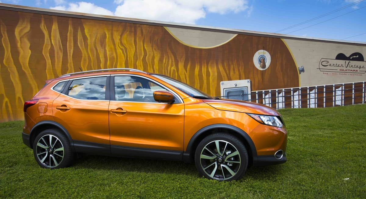2017 Nissan Rogue Sport Review sideview