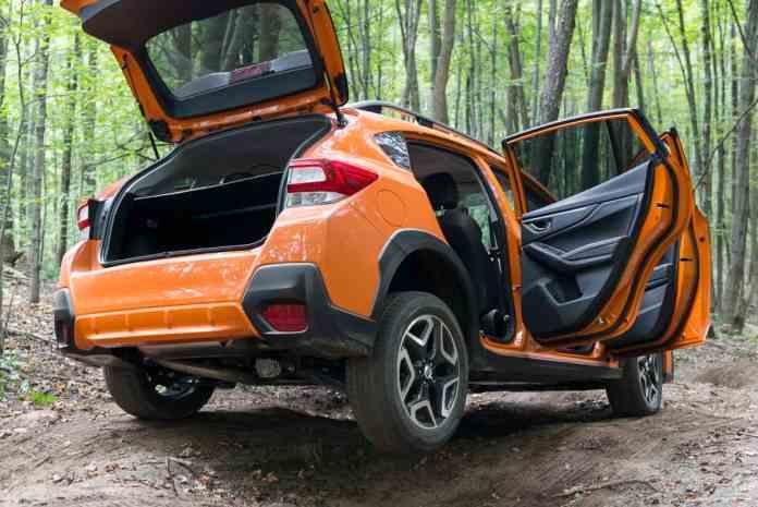 2018 subaru crosstrek review rear orange offroad