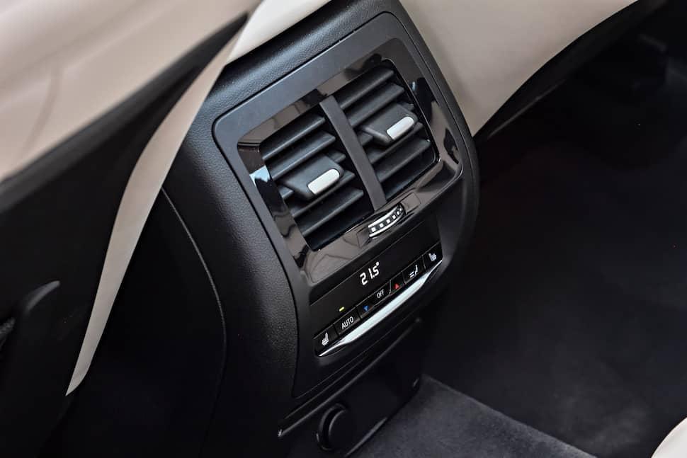 all-new 2018 bmw x3 m40i m performance rear vents