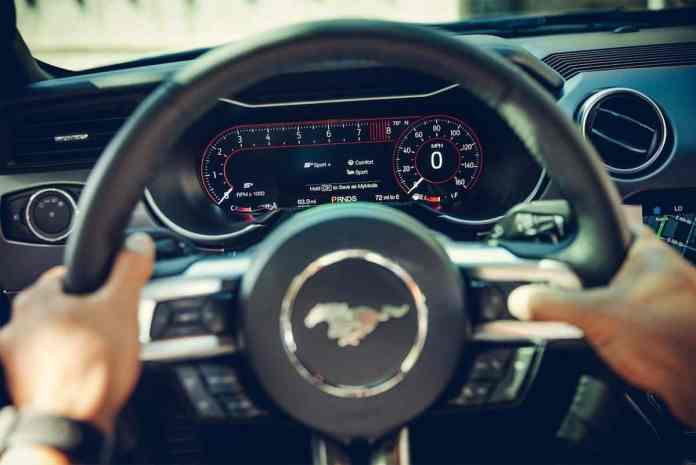 2018 ford mustang gt review interior steering wheel
