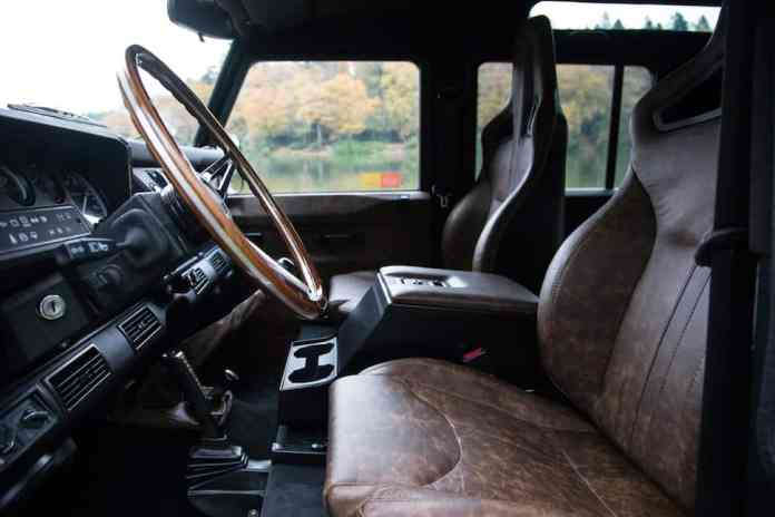 Arkonik COLUMBUS D110 Defender interior