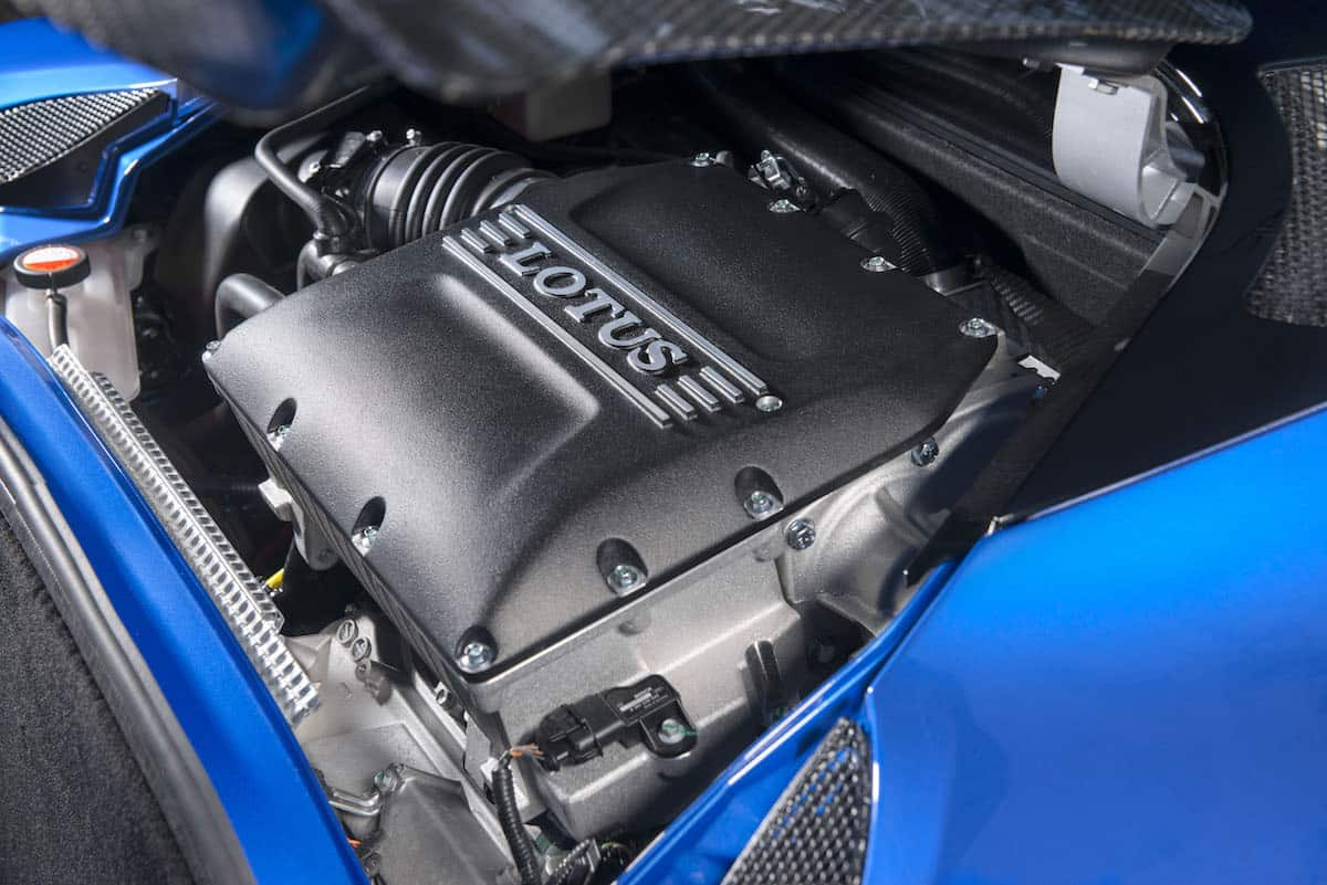 Lotus Evora GT410 Sport engine