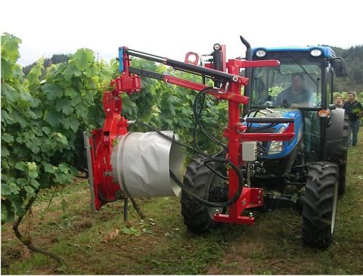 Maquinaria para viñedo: deshojadora neumática. Fuente :vitivinicultura