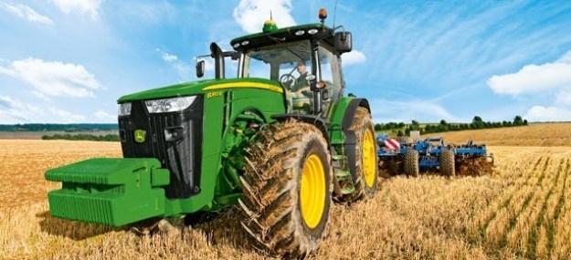 Ahorrar combustible conduciendo tractor John Deere. Fuente: Agromaquinaria