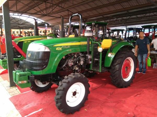 Imitaciones de tractores John Deere. Tractores falsos