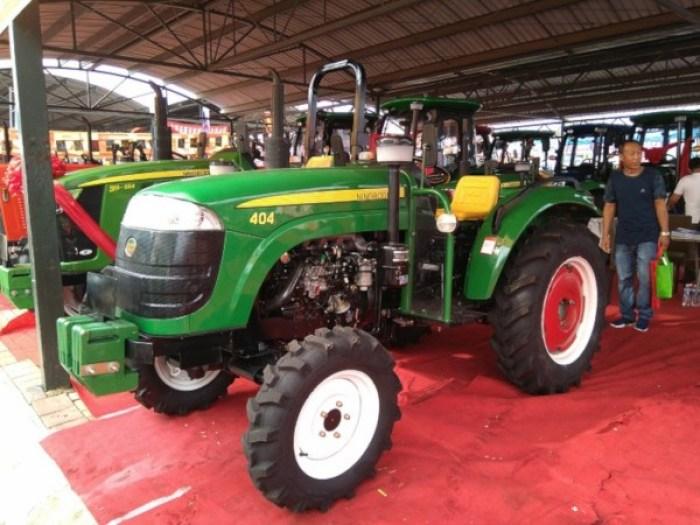 Tractor imitación John Deere chino sin arco antivuelco