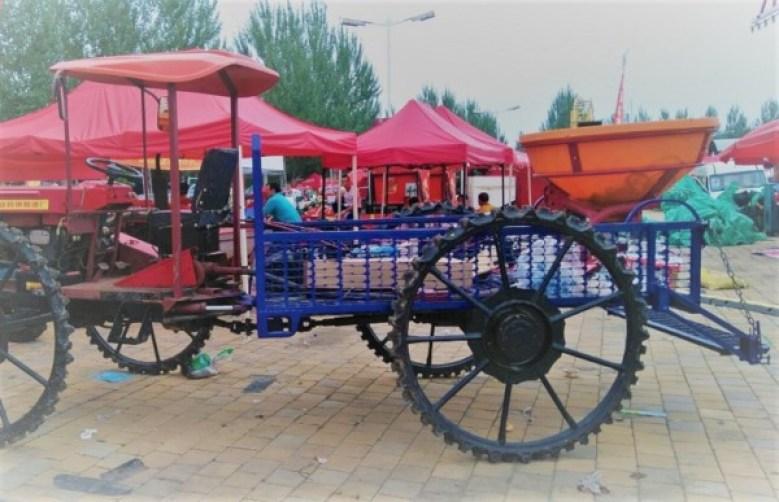 remolque en la feria de maquinaria agrícola en china
