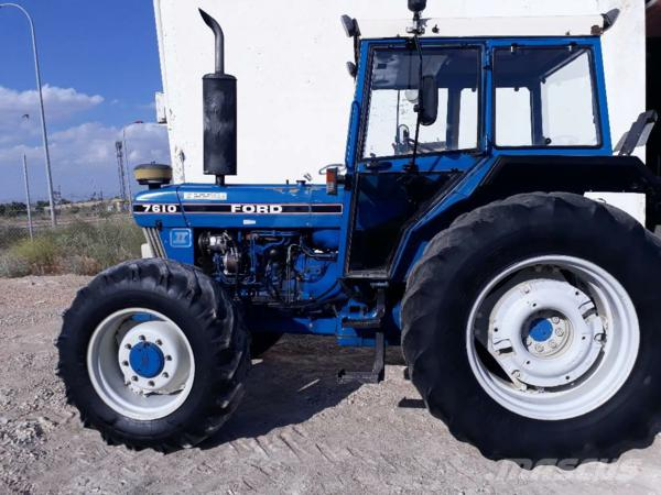 Tractor Ford 7610