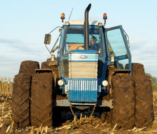 Tractor Ford tw 25