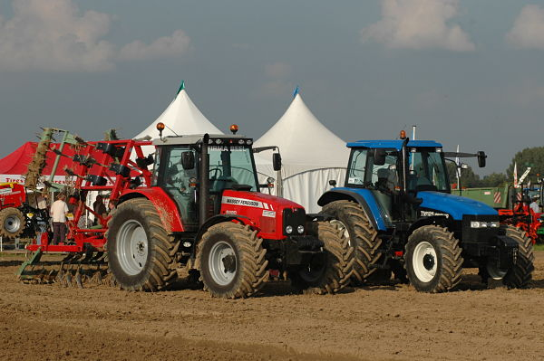 Tractores New Holland y Massey Ferguson