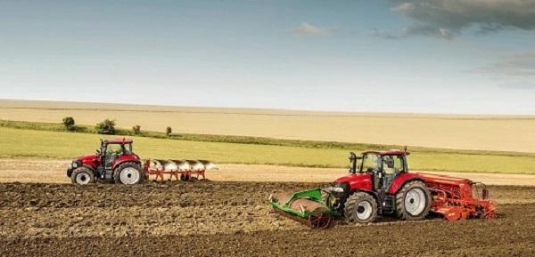 Tractores CaseIH Luxxum 100 y 120 trabajando