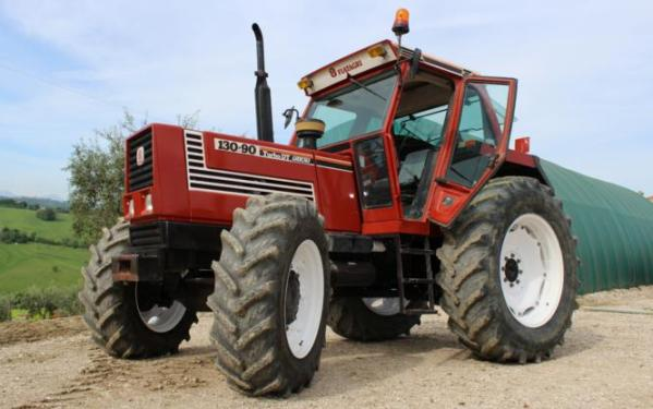 Tractor FIAT 130-90 Turbo DT