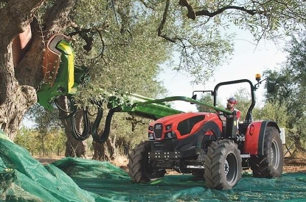 Tractor SAME Explorer 105 TB con pinza vibradora