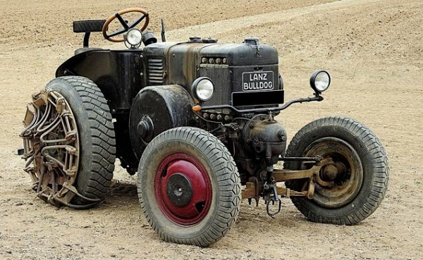 Tractor Lanz Bulldog con tubo caliente de arranque