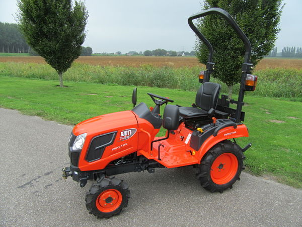 Tractor Kioti CS 2220