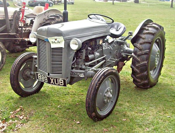 Tractor a gasolina Massey Ferguson Tea 20