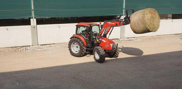 Tractor McCormick con Elevador delantero