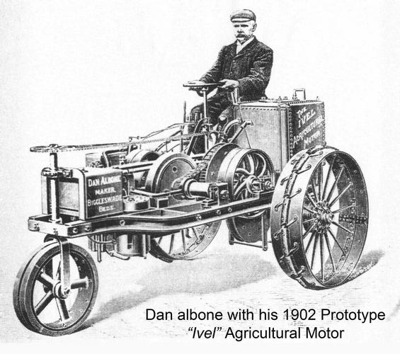 Primer tractor de gasolina Ivel, en 1902