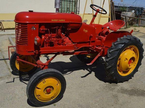 Tractor Massey-Harris