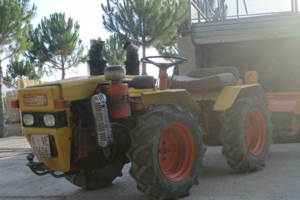 Tractor Pasquali 996 de segunda mano, articulado y con doble tracción