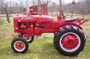 1950 Farmall Super A (20161122)  Tractor Shed