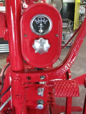 Holes in H hydraulic control lever  Yesterday's Tractors