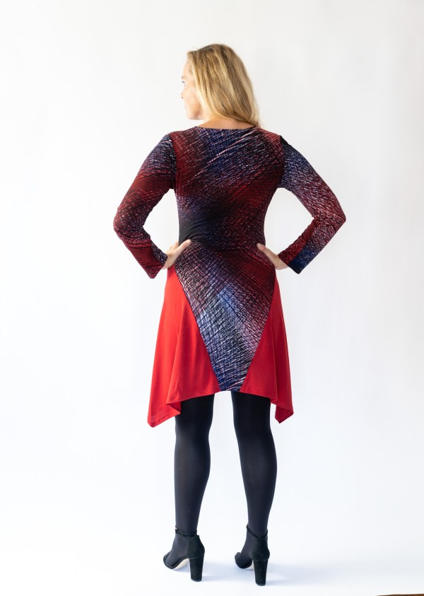 Tracy Gold Collection red abstract dress back