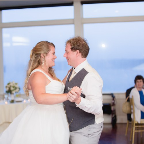 cake cutting, cut the cake, wedding reception, reception, ocean cliff wedding, wedding, tracy jenkins photography, wedding photography, beach wedding, newport wedding, ocean cliff, rhode island
