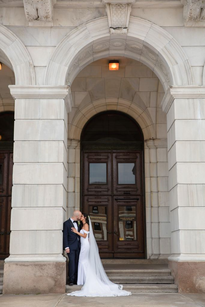 RI Wedding photography, rI wedding photographer, Tracy Jenkins Photography, Providence, State House, city wedding