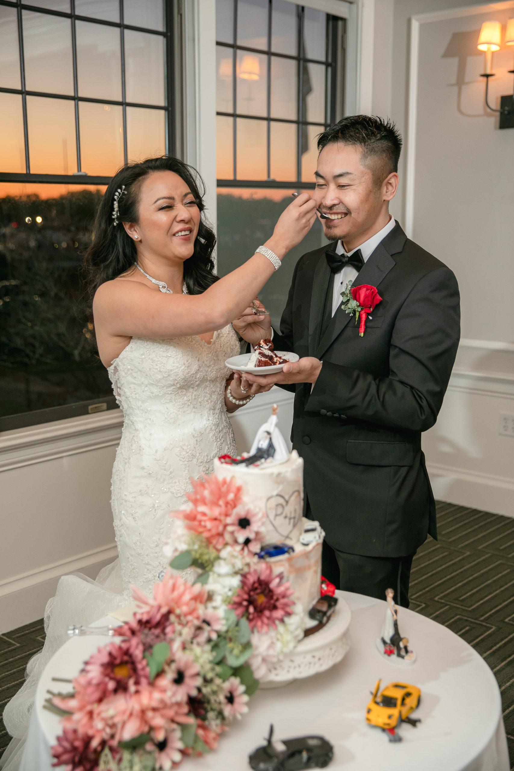 Harbor lights, warwick, rhode island, RI, Tracy Jenkins Photography, RI wedding photographer, Rhode Island wedding photographer, micro-wedding, reception, cake-cutting
