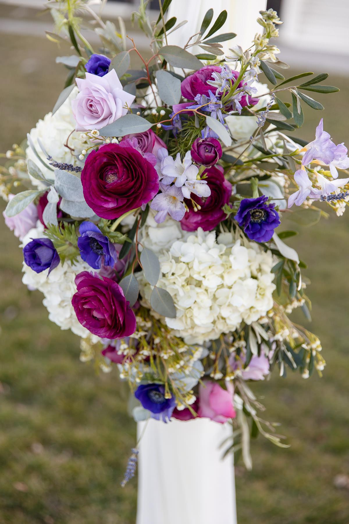 Eisenhower House, Newport, Rhode Island, Tracy Jenkins Photography, wedding, LGBTQ+, LGBT, Gay, Inclusive, Photography, Wedding photography, flowers