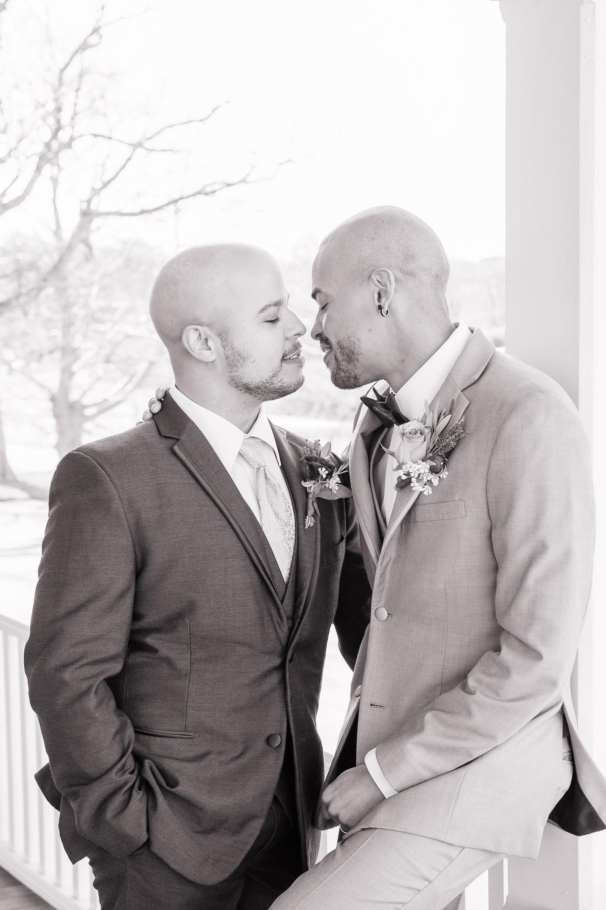 Eisenhower House, Newport, Rhode Island, Tracy Jenkins Photography, wedding, LGBTQ+, LGBT, Gay, Inclusive, Photography, Wedding photography, couple, groom, grooms