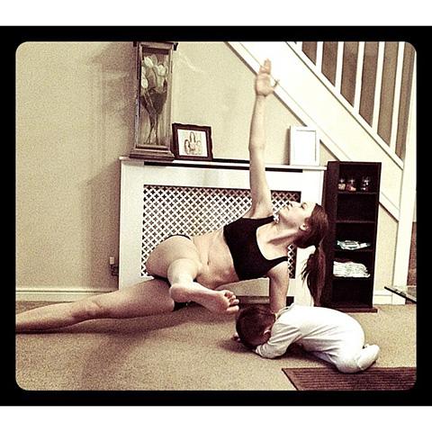 P90X3 Pilates X Scissor Side Plank