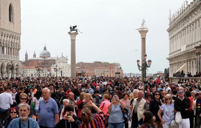 OVT: Venetië gaat toegang heffen