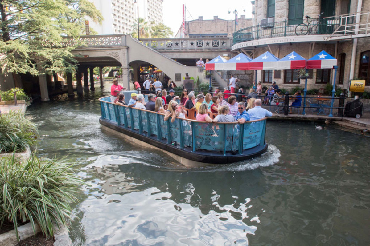 Torqeedo Powers San Antonio River Walk Boats Trade Only