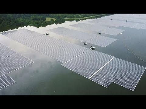 Singapura inaugura uma das maiores usinas solares flutuantes do mundo