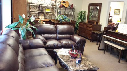 Used Furniture   Trading Places The Woodlands New Used Furniture     Our vast range of furniture caters for every room in your house  Please  hover your cursor over the New Furniture tab and again over Used Furniture  to access