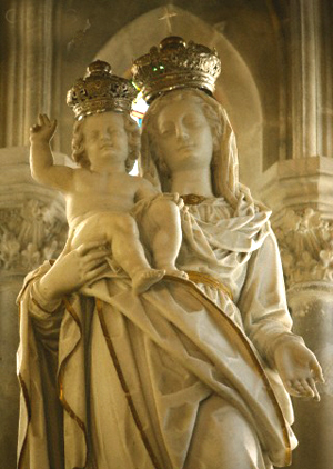 France, Bouches du Rhone, Arles, Saint-Trophime church Crowned Virgin and child by Leonardo Mirano