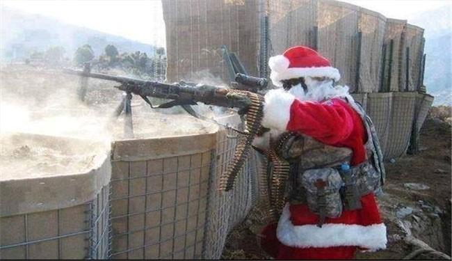 Santa Claus fights terrorists in Syria
