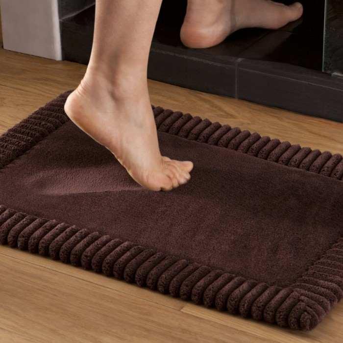 tapis de bain chenille marron