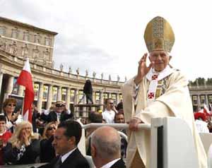 Benedict XVI at the beatification Mass of Wojtyla